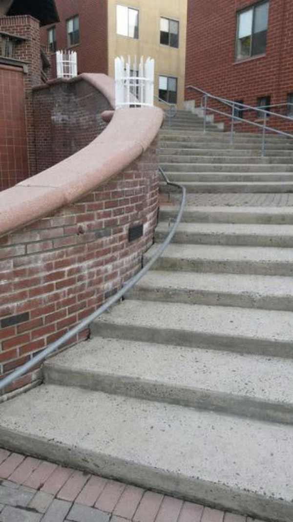 rampe d'escalier de sécurité